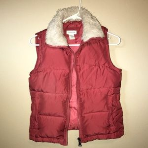 Maurices small puffer vest